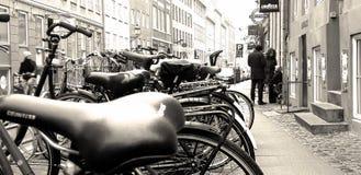 Cykelmosaik, gammal stadarkitektur arkivbild