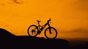 Cykeln parkerar på berget Royaltyfri Bild