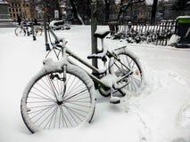 cykeln räknade snow Arkivbilder