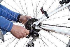 Cykeln reparerar Royaltyfria Bilder