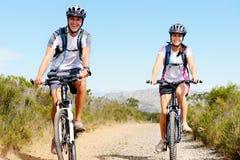 cykelpar arkivfoto
