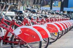 Cykelparkering i Barcelona, Spanien Fotografering för Bildbyråer