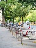 Cykelparkering på gatan Royaltyfria Foton