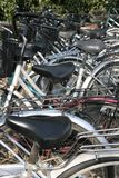 Cykelparkeringsplats. Royaltyfri Bild
