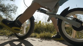 cykelpojke little ridning lager videofilmer