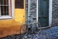 Cykelställning på gatan Royaltyfri Fotografi