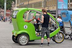 Cykeltaxi i Cologne Royaltyfria Foton