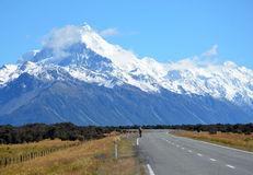 Cykla affärsföretag till bergen Arkivfoto