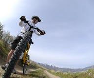 cykla berg fotografering för bildbyråer