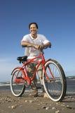 cykla den lutande mannen Royaltyfri Foto