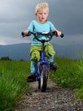 Cykla för pojke Arkivfoto