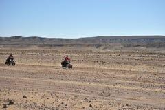 Cykla i den vidsträckta Altiplanoen Fotografering för Bildbyråer