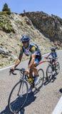 Cykla i Pyrenees Arkivfoto