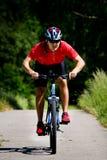 Cykla man fotografering för bildbyråer