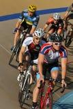 Cykla på pro-spåret Royaltyfri Foto
