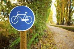 Cykla vägmärket Fotografering för Bildbyråer