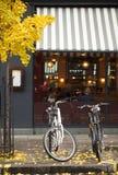 Cyklar är det senaste tinget i London Arkivfoton