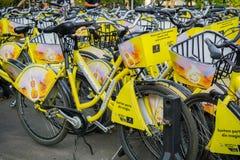 Cyklar för hyra arkivfoton