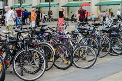 Cyklar i Alexanderplatz Royaltyfri Fotografi