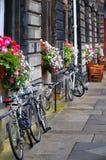 Cyklar i Edinburg Fotografering för Bildbyråer