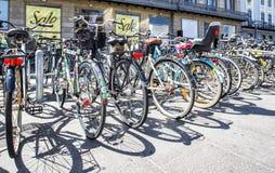 Cyklar i Köpenhamn Arkivbild