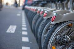 Cyklar i raden royaltyfri fotografi