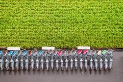 Cyklar och risfält i Chihshang, Taitung, Taiwan Antenn VI arkivfoto