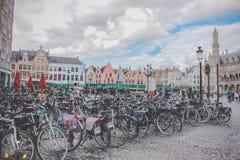 Cyklar på plazaen - Bryssel - Belgien Royaltyfri Bild