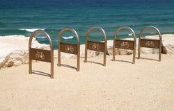 cyklar som parkerar havet Arkivfoto