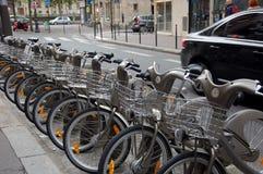 Cyklar som parkerar i Frankrike Arkivbild