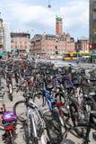 Cyklar i Köpenhamn Royaltyfri Bild