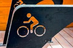 Cyklar sparar jorden. Fotografering för Bildbyråer
