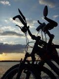 cyklar två Royaltyfria Bilder