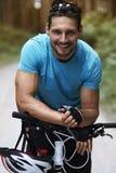 Cyklist i sommaren Fotografering för Bildbyråer