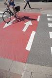 Cyklist på cykelLane Royaltyfria Bilder