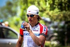 Cyklist som dricker Pepsi Arkivfoton