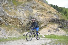 Cyklista Jedzie rower Fotografia Royalty Free