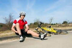 Cyklista na krawężniku Obrazy Stock
