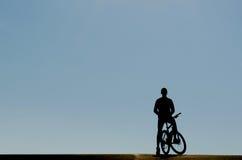 Cyklista w ranku Obraz Royalty Free