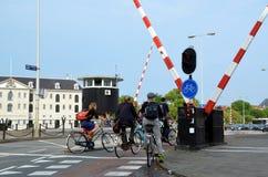 Cyklister i Amsterdam Arkivbild