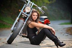 cyklistflicka Royaltyfri Foto