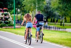 Cyklistritt på cykeln royaltyfria foton