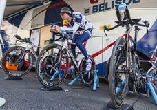 Cyklisty Rozgrzewkowy Up Fotografia Royalty Free