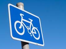 Cyklu pasa ruchu znaka błękit Zdjęcia Stock