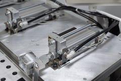 Cylindre pneumatique installé sur la machine photo stock