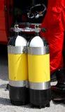 Cylindres de plongée employés par le groupe de plongeurs de corps de sapeurs-pompiers Image libre de droits