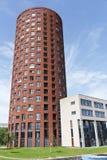 Cylindriskt lägenhettorn royaltyfri fotografi