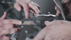 Cylindryczny kształt dekoracyjny metalu element Dekoracyjny metalworking zbiory wideo