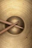 Cymbales et pilon de plan rapproché Image stock