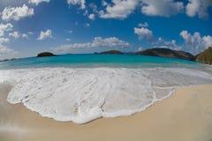 Cynamon zatoka w USA Dziewiczych wysp parku narodowym na St John w USA Dziewiczych wyspach obraz stock